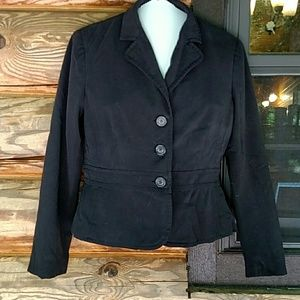 Attractive black blazer. 8P. Beautifully tailored.